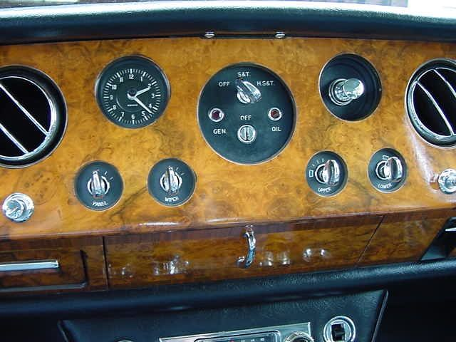 RRSS 1967 blauw dashb2 rolls royce silver shadow dashboard rolls royce silver shadow fuse box diagram at edmiracle.co