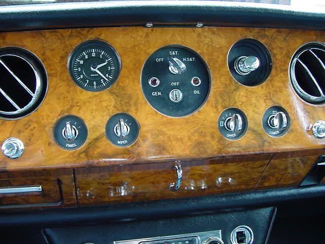 Rolls-Royce Silver Shadow - Dashboard