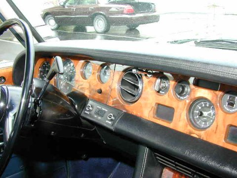 Dashboard of an American Silver Shadow from 1974.